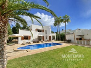 Villa in 2nd sea line in Cala d'Or for sale