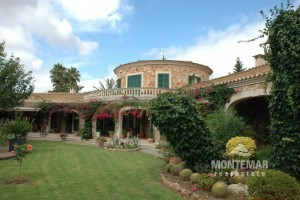 Alqueria Blanca - Country estate with park garden for sale
