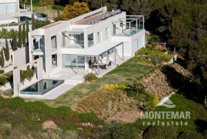 Sol de Mallorca - Modern villa with sea views