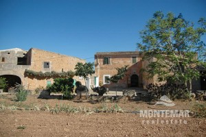Cas Concos - Original country house in need of renovation for sale