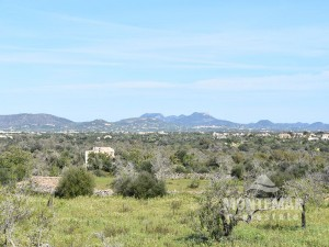 Plot with sea view and existing building permission in Cala Llombards
