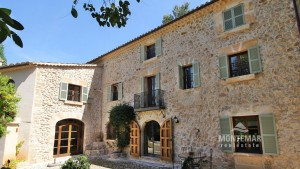 Restored country house near Esporles