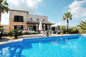 Lovely country home close to Porto Colom