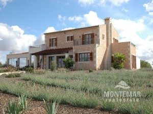 Country house project with permission and beautiful views between Santanyi and Campos