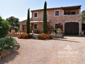 Lovely country house for sale in Santanyí