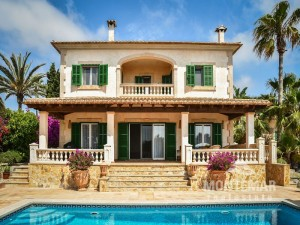 Mediterranean chalet with pool in Cala Figuera