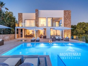 Impressive Villa in Bendinat for sale