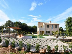 Representative new built country house in Cas Concos with pool