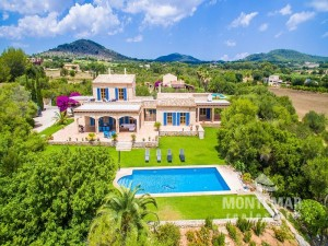 Son Servera - Finca with rental license and panoramic views