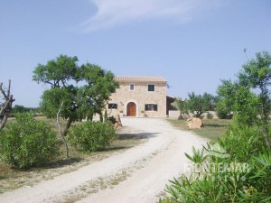 Charming Finca in Es Llombards for sale