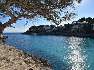 Building plot in first sea line and beach access in Cala d'Or
