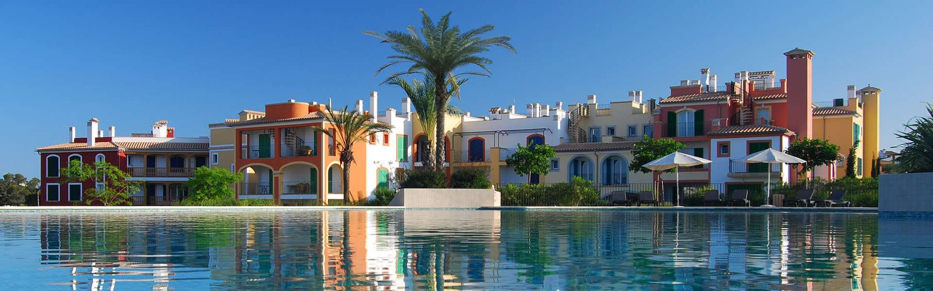 Porto Colom - apartments close to the sea
