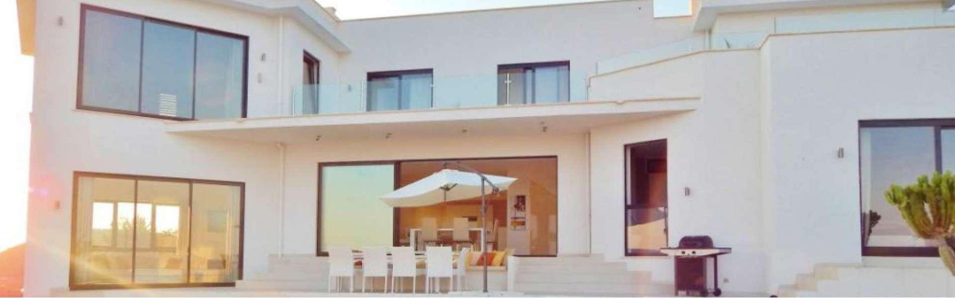 Cala Vinyas - Imposing villa with sea view