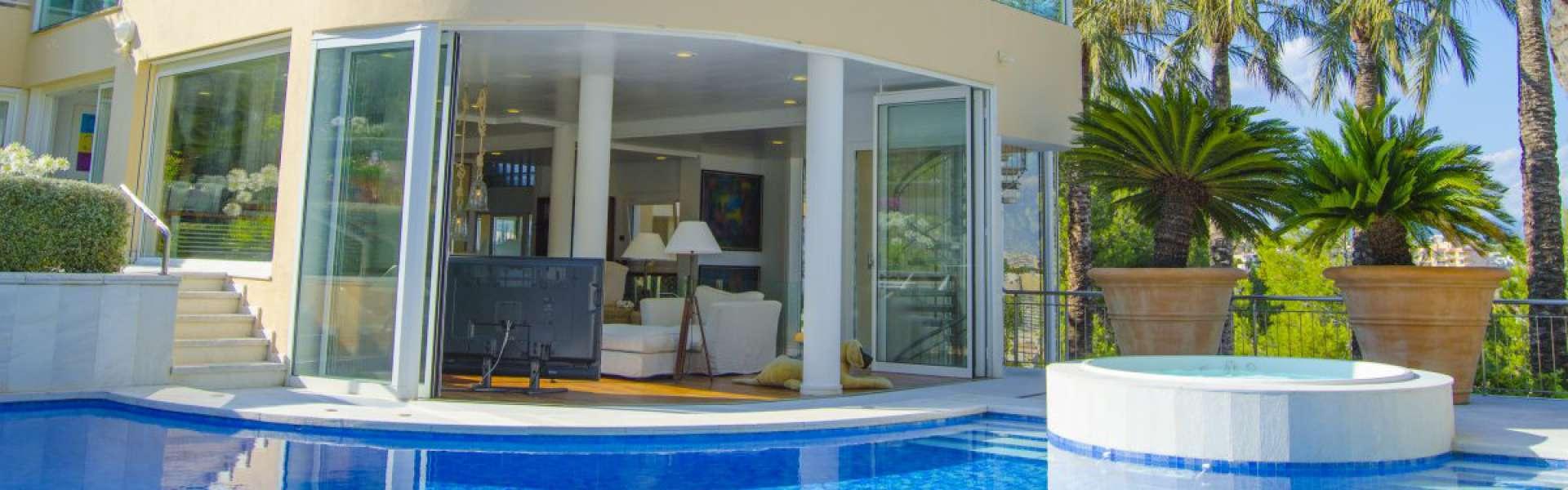 Cas Catala - Villa with sea views for sale