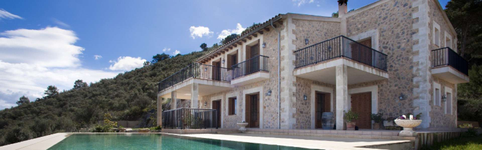 Finca with panoramic views in Son Macia