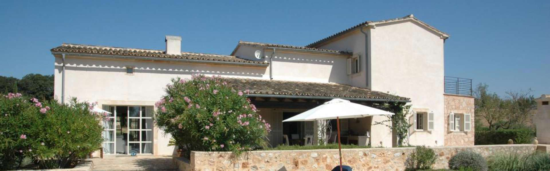 Porreres - Spacious Country house in quiet secluded location