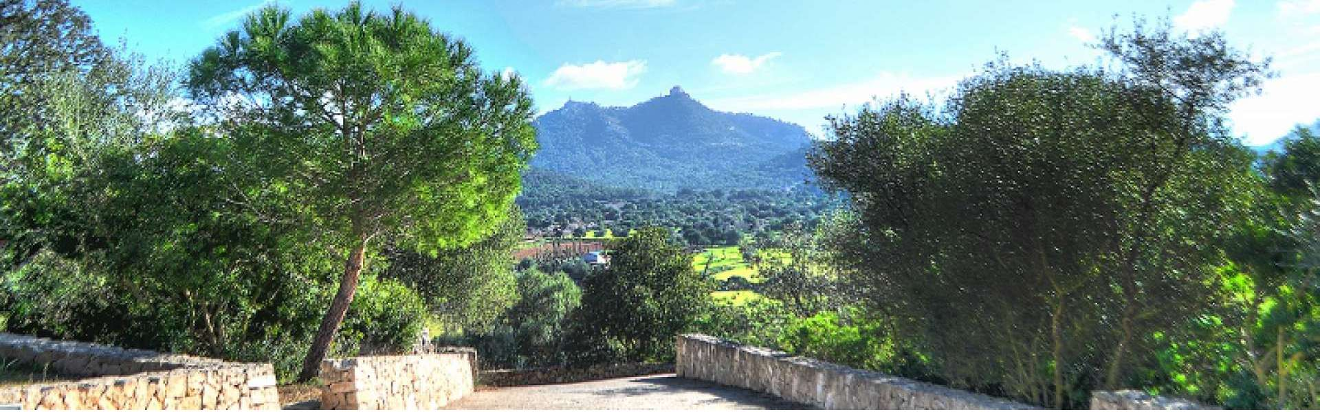 Felanitx - Finca with beautiful panoramic views for sale