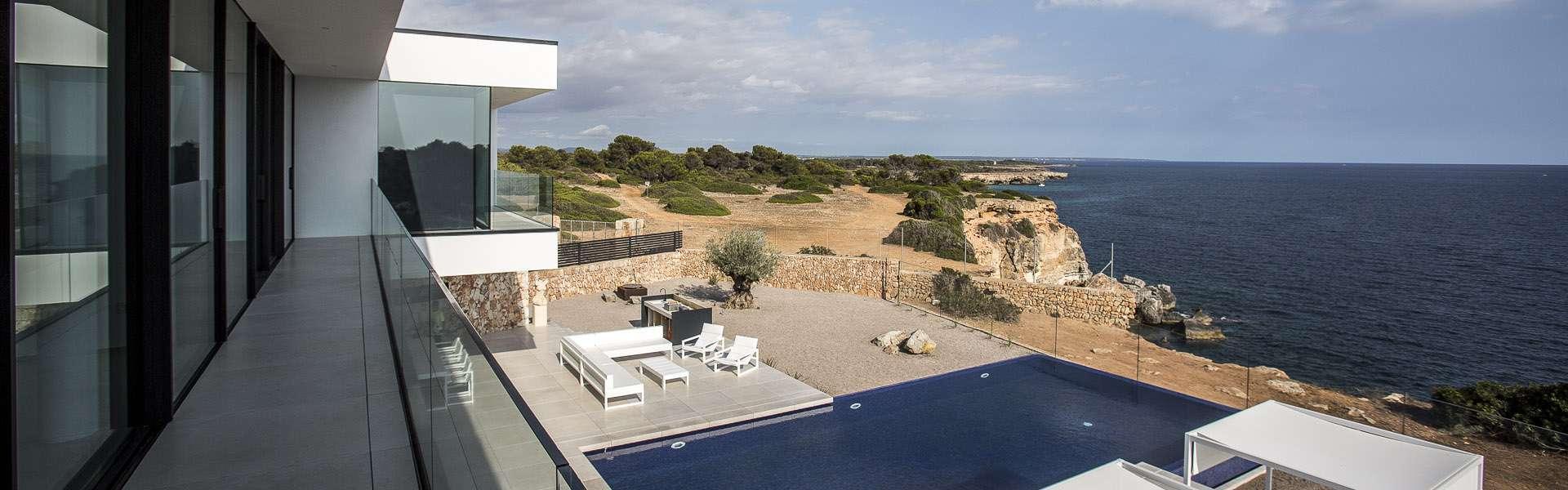 Cala Pi -  Exclusive villa at the seaside