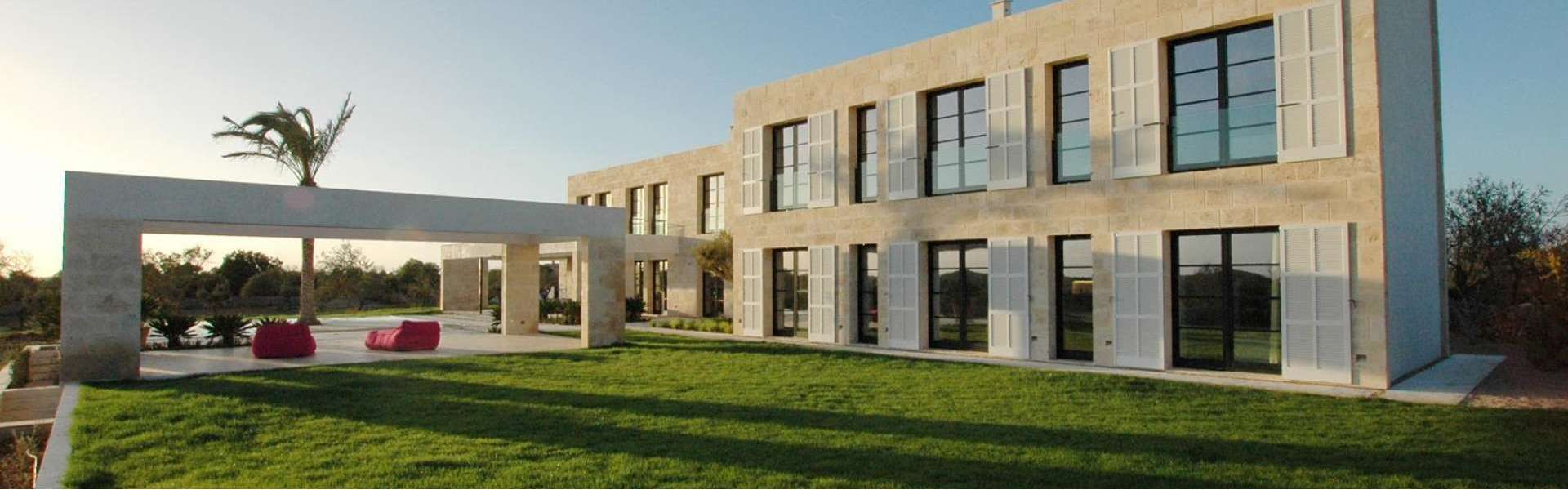Exceptional new construction finca at Cala Llombards