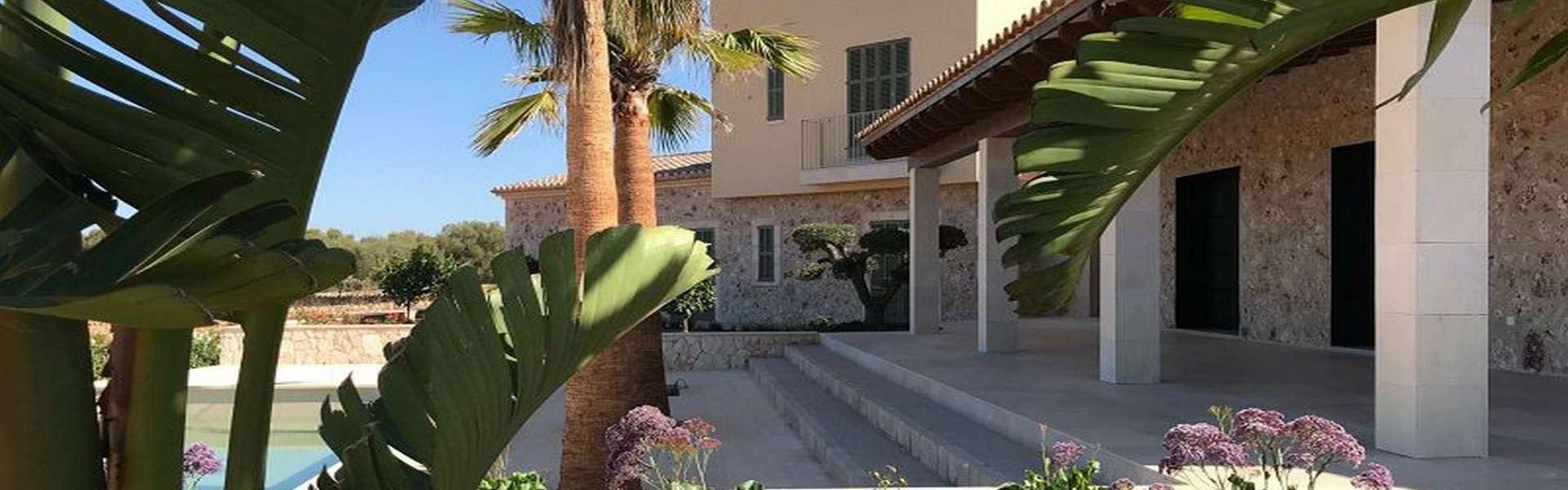 Modern country house near Cap Salines