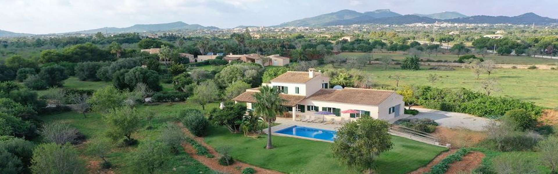 Nice country house with licence for holiday rental in Cala d'Or