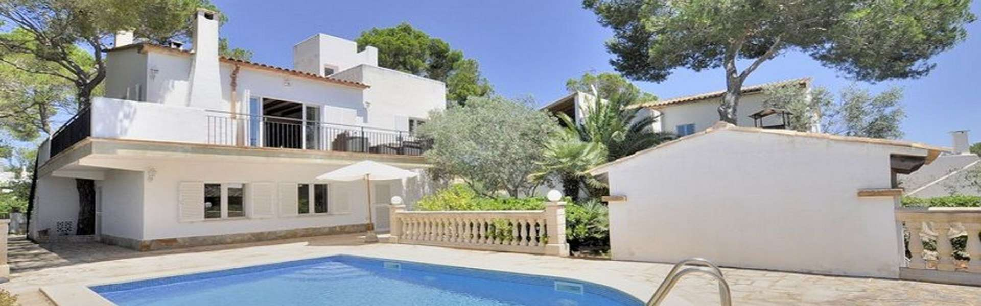 Villa in beautiful quiet location in the heart of Porto Petro